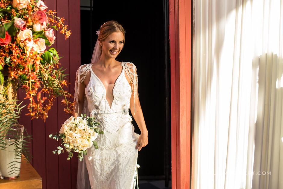 Vestido de noiva praia bordado