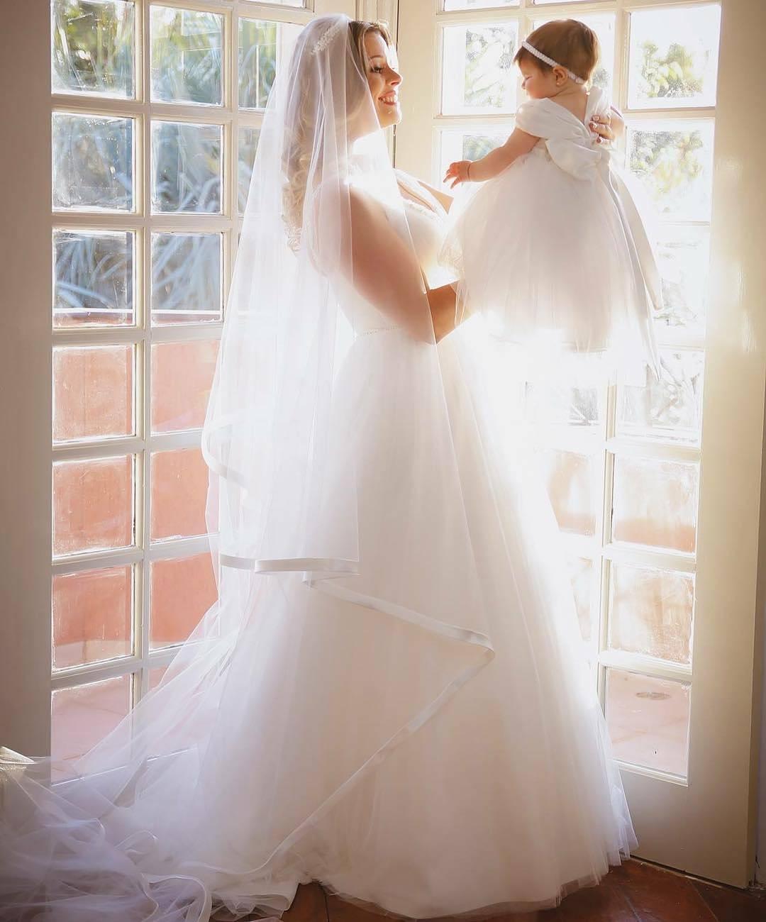 Vestido de noiva com saia de tule Nova Noiva