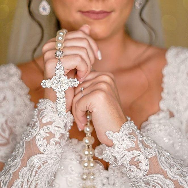 Vestido de noiva para casamento no inverno - Foto: Danilo Maximo
