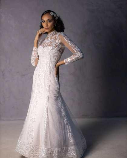 Vestido de noiva com gola alta - Danna Morikawa