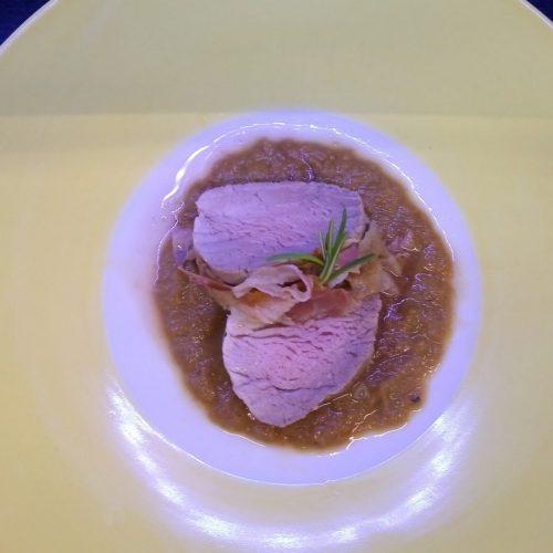 Filetto di maiale con pancetta e salsa al Chianti