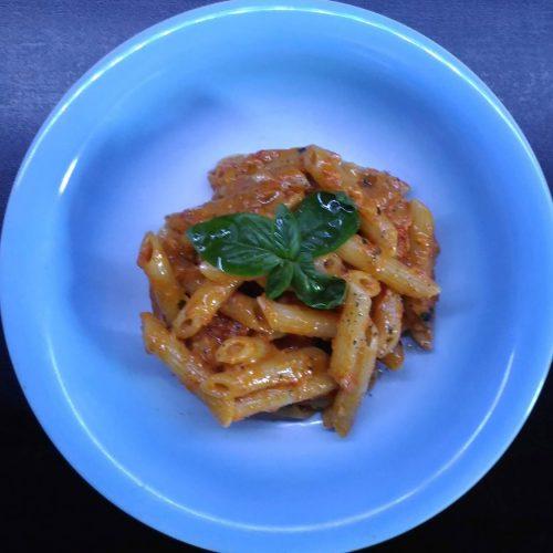pasta-al-pesto-peperoni-rossi