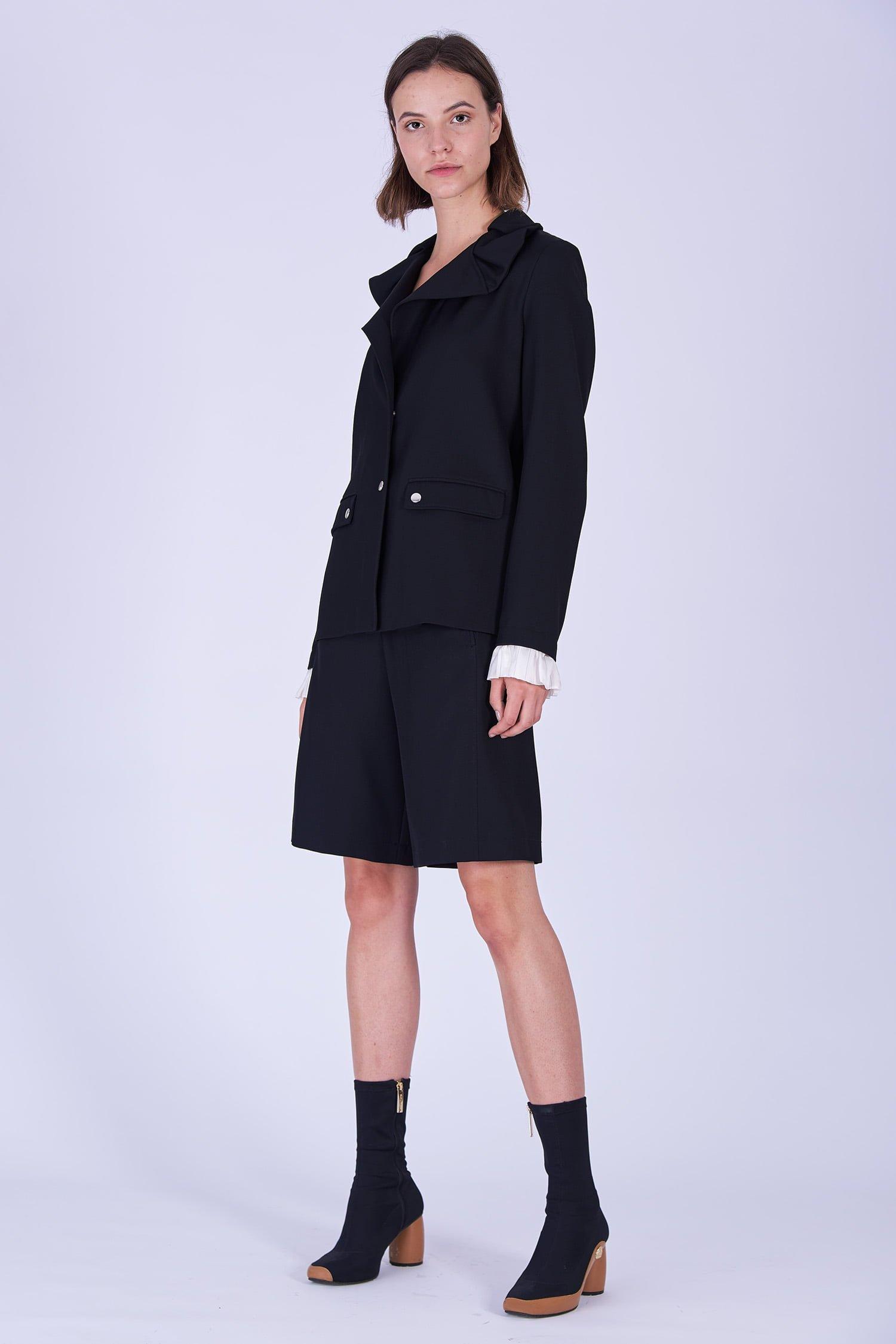 Acephala Fw19 20 Black Jacket Black Shorts Wool Czarna Kamizelka Czarne Szorty Welna Side 2