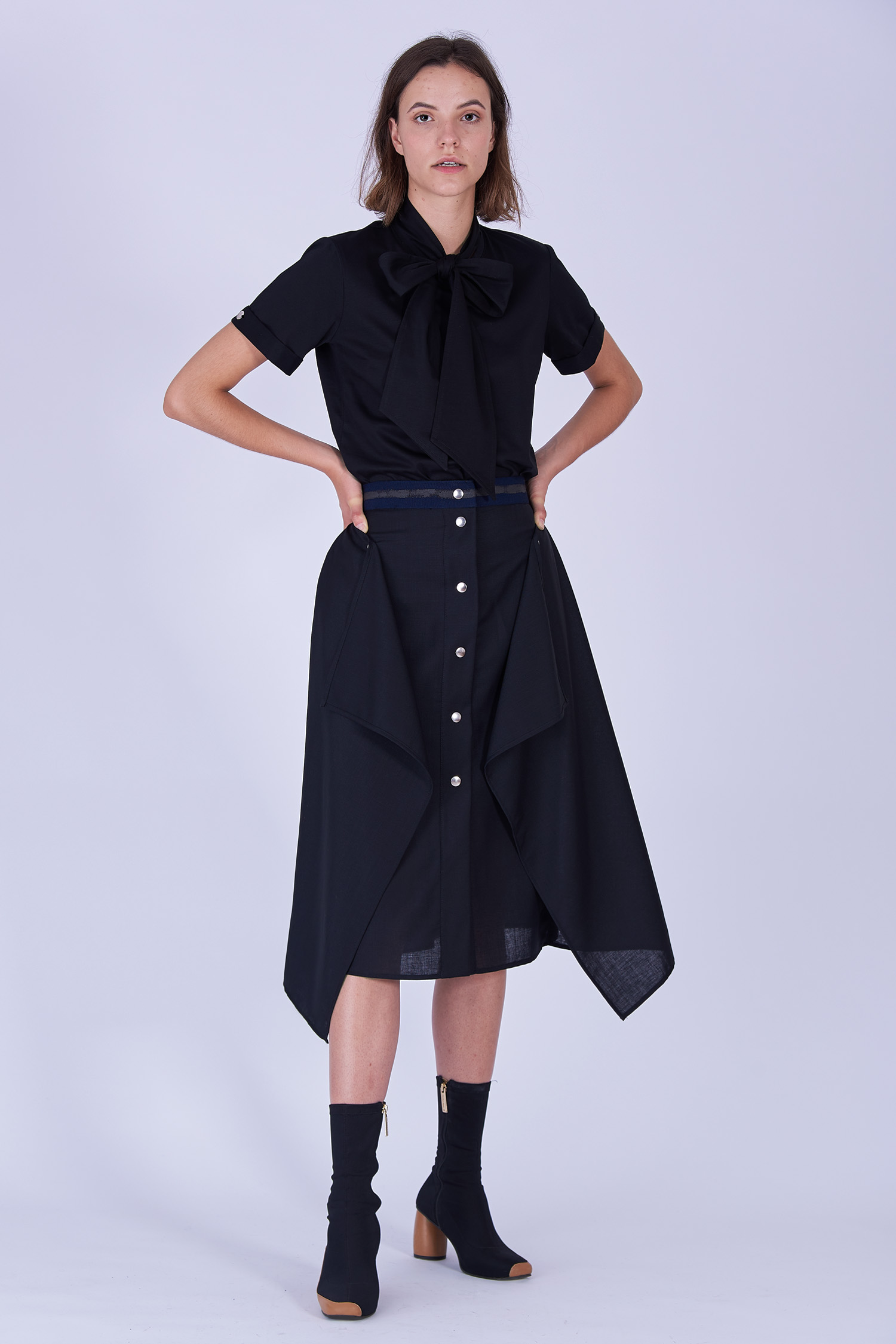Acephala Fw19 20 Black Skirt Draped Czarna Spodnica Drapowana Front 3