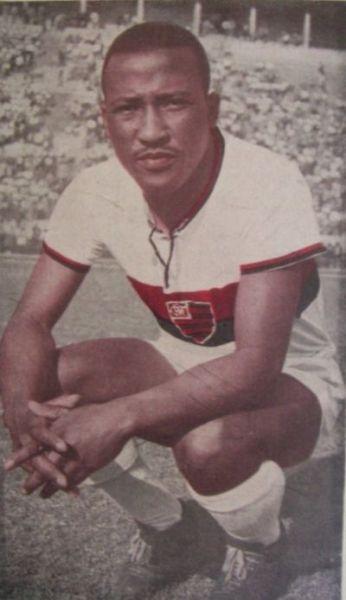 F 06 -  - Rubens, o Dr. Rubis, grande contratau00E7u00E3o do  Flamengo no inu00EDcio da du00E9cada de 50