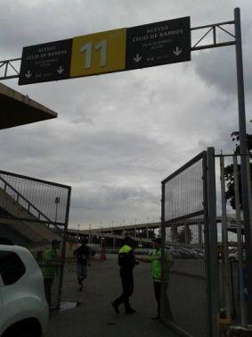 Entrada pelo portão 11