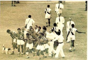 1948 - Botafogo campeão -  comemoração após a  vitória de 3 a 1 sobre o Vasco