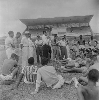 F 03 - 1956 nov - Flávio Paiva - apresentação de Nilton Anet
