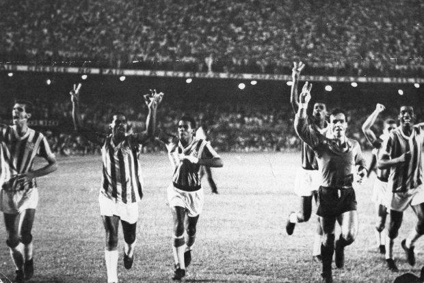 f-05-1966-bangu-3-x-flamengo-0-volta-olimpica