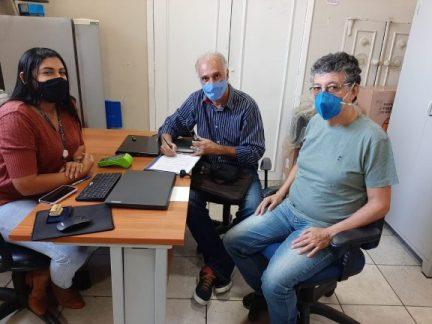Jucelia Santanna (representante da Reviver) Eraldo Leite e Tadeu de Aguiar