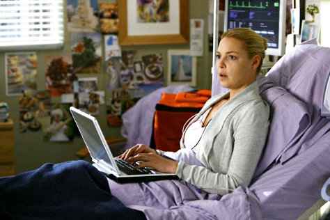 Preview of 'Grey's Anatomy' 5.20: Izzie Passes Out