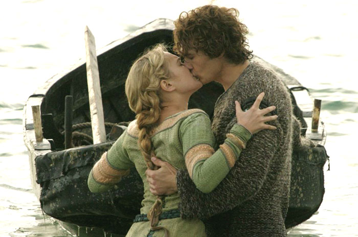 https://i2.wp.com/www.aceshowbiz.com/images/still/tristan_and_isolde_02.jpg