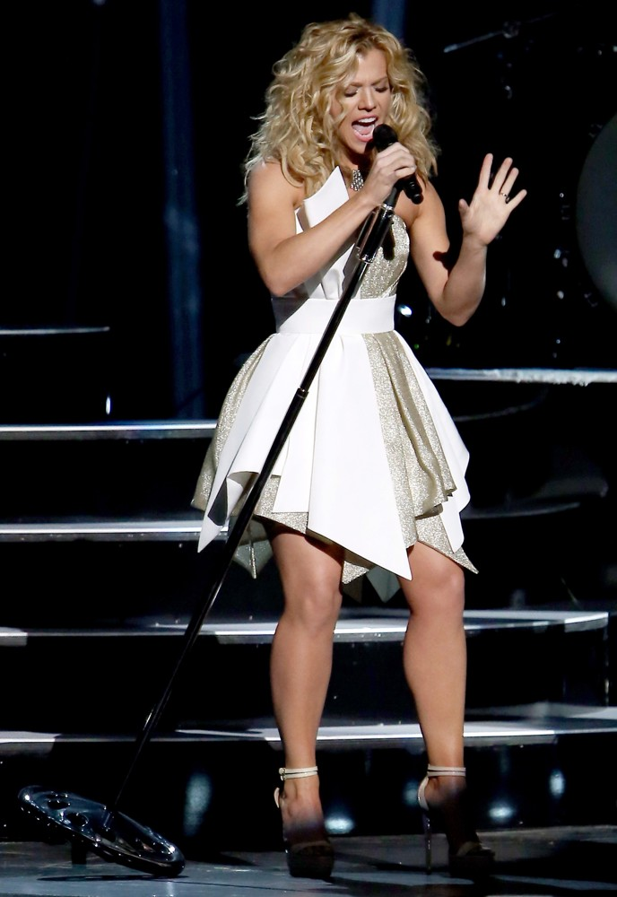 Perry 2013 Kimberly Cma
