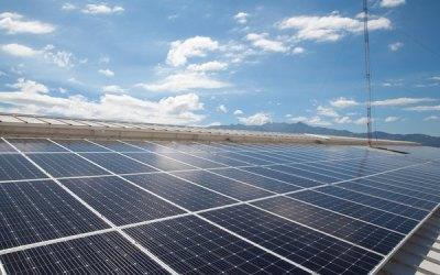 Empresas suben el voltaje a la importación de paneles solares