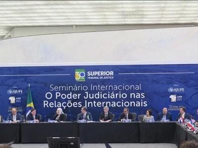 Debates sobre estado social e proteção ao meio ambiente encerram seminário internacional