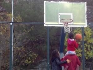 refugees-basket