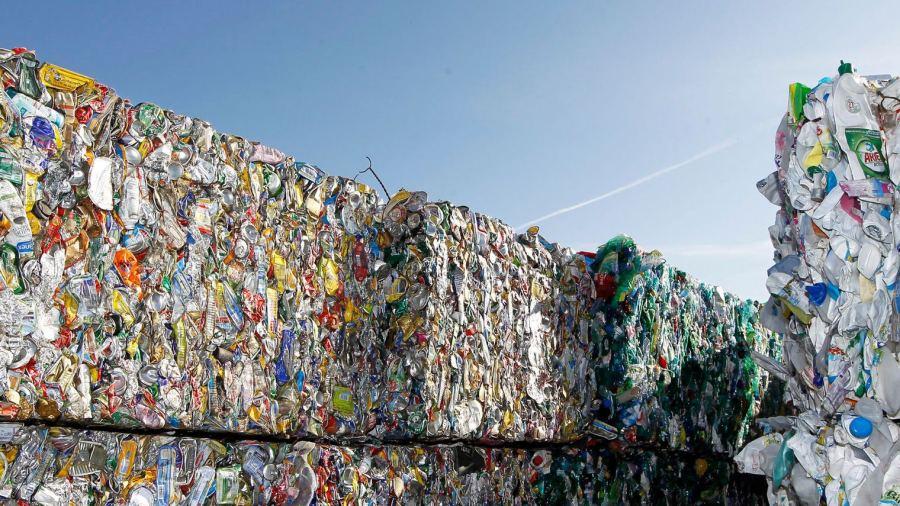 وزارة الرباح تدافع على قرارها تحويل المغرب إلى مكب لنفايات العالم