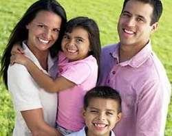 Estudo britânico confirma que o matrimônio e os filhos aumentam a felicidade