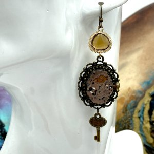 Steampunk earrings with mechanism