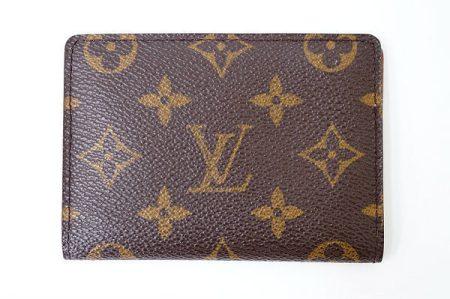 長く愛用したくなるデザイン!ルイヴィトンのパスケースを店頭預かり買取いたしました