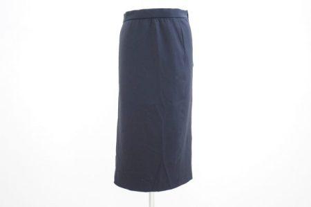 大人のシンプル・ラグジュアリーなアクリスのスカートを出張買取いたしました