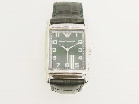 TPOを問わずにスタイリッシュにお使いいただける、エンポリオアルマーニの腕時計を店頭預かり買取いたしました