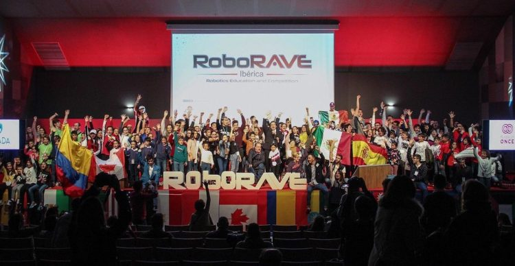 RoboRAVE entrega premio internacional en robótica a estudiantes de Medellín