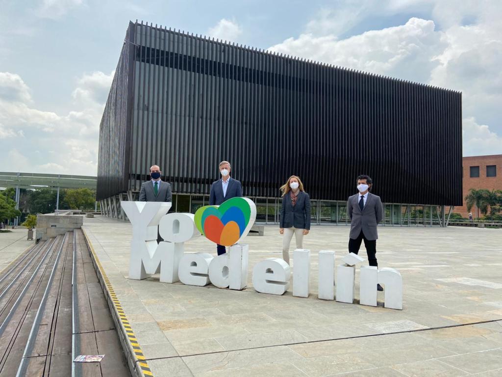 Con visita del Embajador de Dinamarca, la ACI Medellín reactiva sus recorridos de ciudad con aliados internacionales