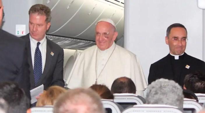 Rueda de Prensa del Papa Francisco en el Vuelo de Colombia a Roma