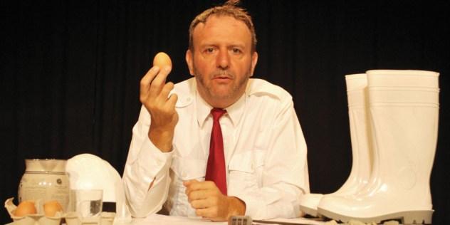 SAISON - Pourquoi les poules préfèrent être élevées en batterie - Jérôme Rouger