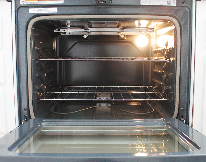 How to clean a self cleaning oven and how to clean a non-self cleaning oven naturally