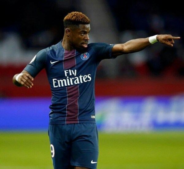 Aurier close to Tottenham switch