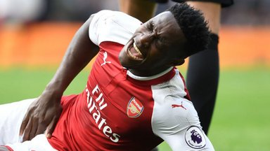 Arsenal's Welbeck out for weeks