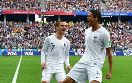 Russia 2018: Les Bleus dispatch clueless Uruguay with ease