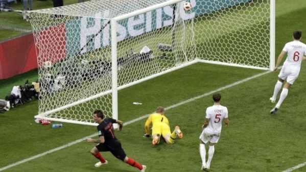 Mario Mandzukic fires Croatia into World Cup final