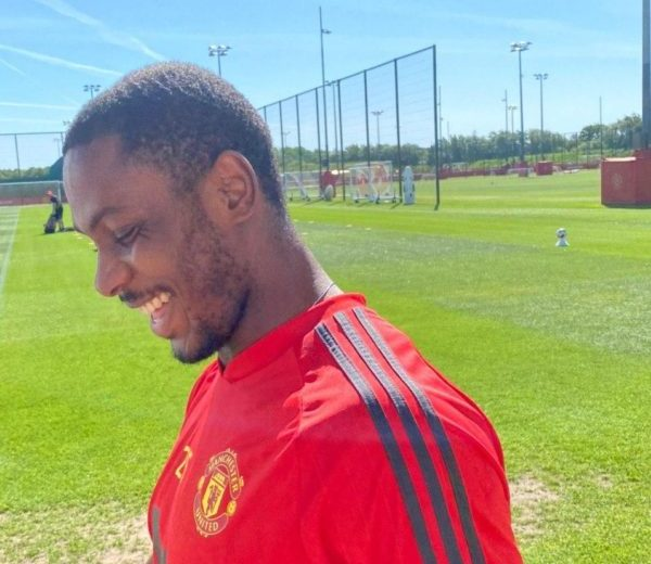 Odion Ighalo extends Manchester United stay