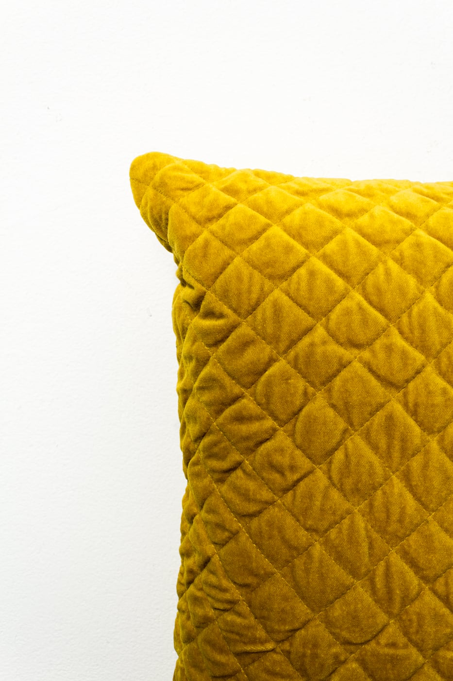 sg070 carson mustard yellow velvet