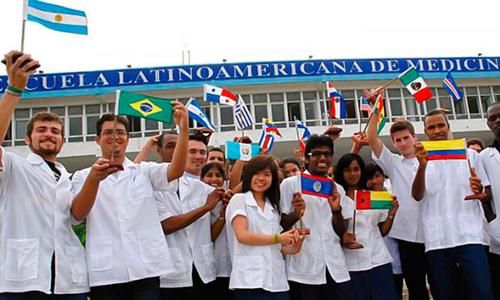 La Escuela Latinoamericana de Medicina (ELAM), fundada por el Comandante en Jefe Fidel Castro, en sus 14 graduaciones ha formado a casi 29 mil médicos de 90 países, informó un especialista de esa institución.