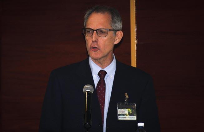 Rafael Cantón Moreno, de la Sociedad Española de Enfermedades Infecciosas y Microbiología Clínica (SEIMC), interviene en el Congreso Internacional sobre la Resistencia a los antimicrobianos, del laboratorio a la clínica, en el hotel Meliá Habana, Cuba, el 26 de septiembre de 2018.