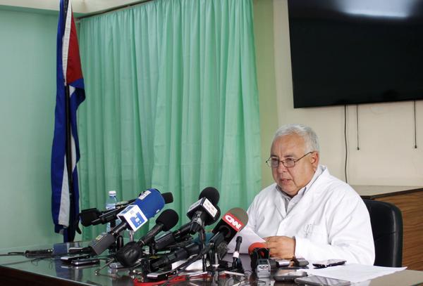 Intervención del Dr. Sergio Rabell Piera, Director del Instituto de Medicina Legal, sobre la identificación de los cuerpos de las víctimas del siniestro aéreo del Boeing 737-200 arrendado a la aerolínea mexicana Damojh, en La Habana, Cuba, el 22 de mayo de 2018. ACN FOTO/ Ariel LEY ROYERO