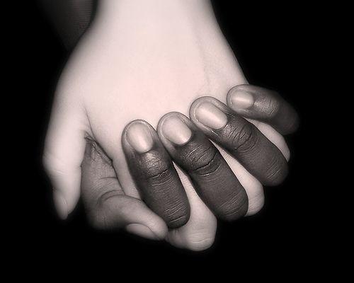 0529-blancos-y-negros-igualdad-3.jpg