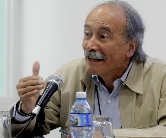 El Dr. Darío Salinas Figueredo, de la Universidad Iberoamericana de México, realiza una  intervención especial durante la sesión de clausura de la IV Conferencia de Estudios Estratégicos, del Centro de Investigaciones de Política Internacional (CIPI), realizada en la sede de la entidad, en La Habana, Cuba, el 26 de octubre de 2018.
