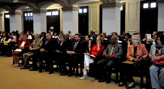 Participantes en el acto de entrega de los Premios de Pedagogía Nacional y Novel, en el Aula Magna de la Universidad de La Habana (UH), en Cuba, el 16 de enero del 2019.