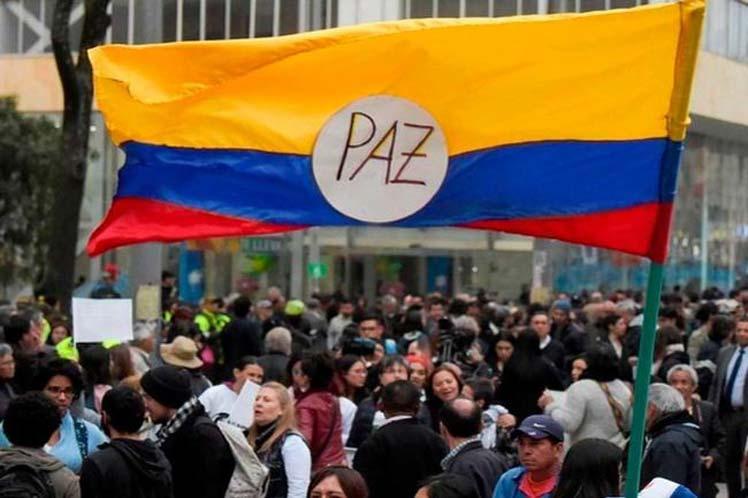 0712-paz-colombia.jpg