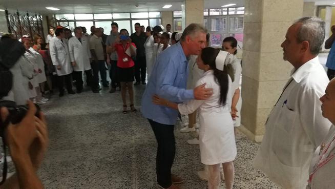 0718-Díaz-Canel recorre centros de salud-3.jpg