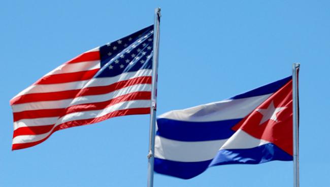 0327-EU-cuba-banderas.jpg