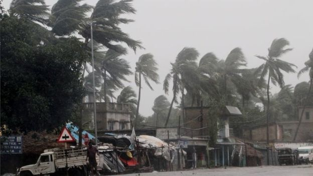 cyclone amphan update