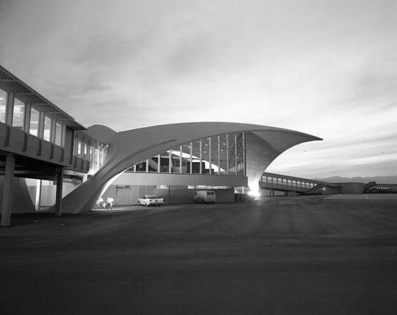 Las-Vegas-McCarran-Airport-Jay-Florian-Mitchell-photograph