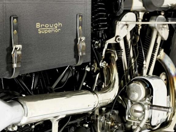 brough-superior-vincent-black-shadow-for-auction-0@2x