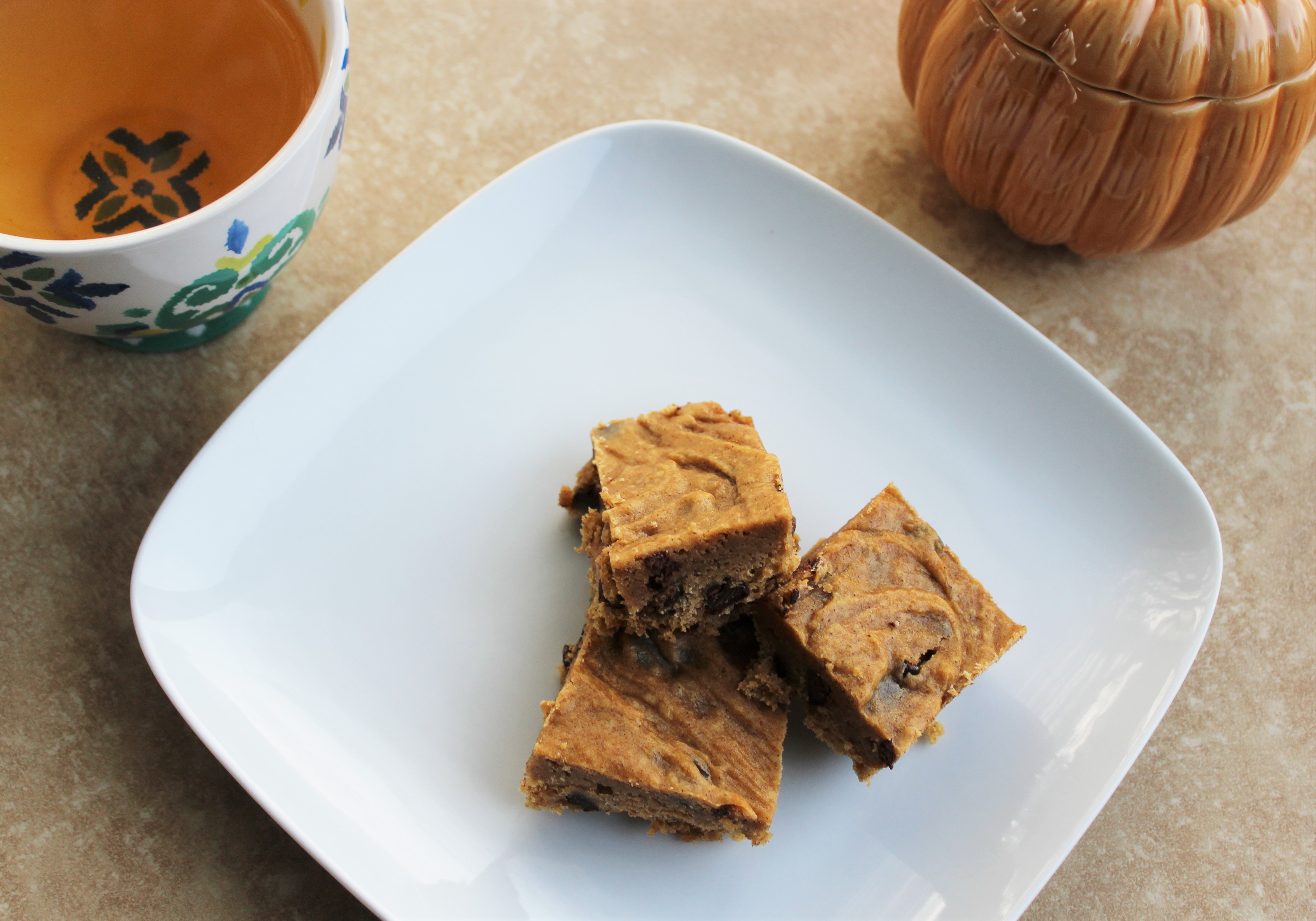 Pumpkin Chocolate Chip Cookie Bars 1